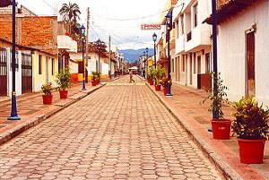 Cotacachi, Koloniale Straße - Traumimmobilien zum Kauf oder zur Miete